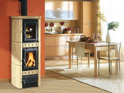 camini con forno stufe a legna con forno le stufe stufe con forno