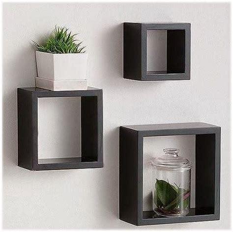 ini adalah set rak dinding kubus melayang yang cocok buat ruangan anda milkfishope