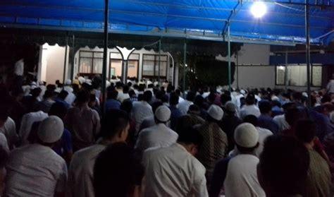 Shalat Tarawih Lkis Pustaka Pesantren pbnu minta pwnu jatim dekati penyelenggara quot tarawih
