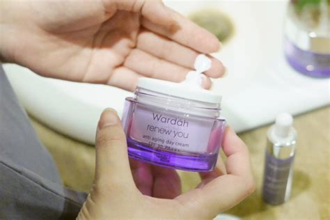 Wardah White Secret Siang Malam wardah renew you anti aging series the gorjes way