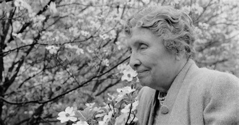 helen keller blind biography helen keller lived a life that triumphed over darkness