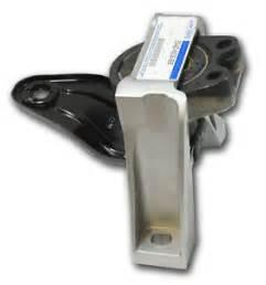 new oem 2005 2011 ford focus motor mount 2 0l duratec w