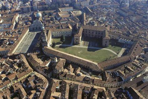 sforzesco pavia di vigevano complesso piazza ducale vigevano