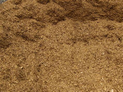 d e landscaping grading mulch