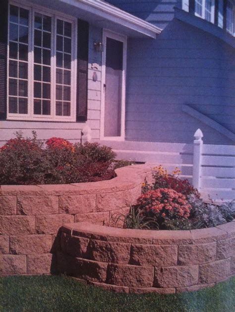 Retaining Wall Planter Ideas by 39 Best Images About Retaining Walls On