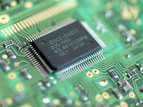define integrated circuit microchip central processing unit cpu