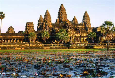 speed boat vietnam to cambodia mekong delta cruise speed boat to cambodia 3d 2n asia