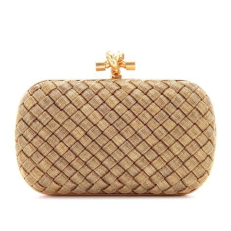 Tas Bottega Veneta Satin Clutch Gold bottega veneta knot goldplated box clutch in beige oro bruciato made in italy lyst