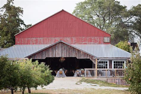farm to kansas city weston red barn farm wedding 187 kansas city wedding photography