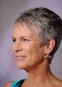 curtis haircut back view jamie lee curtis dangling diamond earrings jamie lee