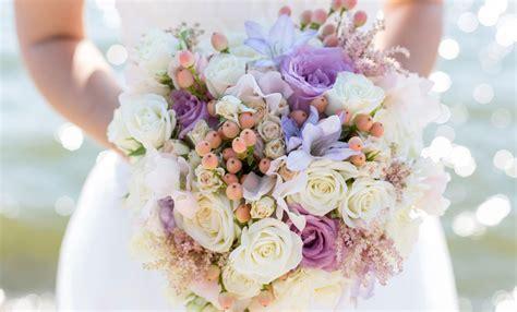 fiori di sposa fiori di stagione per il bouquet da sposa leitv