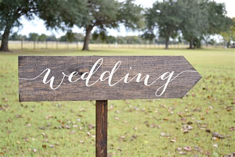Eheringe Zeichen by Wedding Signs Wood Wedding Arrow Sign Wooden Wedding Signs
