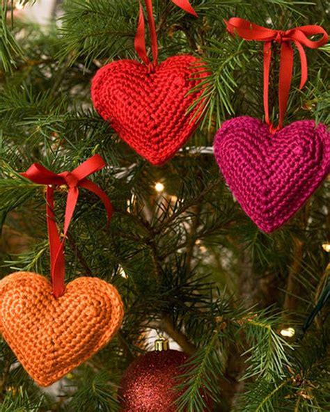 christmas tree duo crochet pattern red heart free tree hearts crochet pattern from redheart com