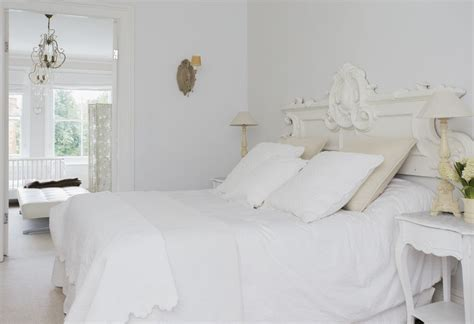 Shabby Overly Chic photos and tips for decorating a shabby chic bedroom
