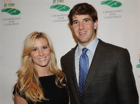 Eli Manning Sends Fiancee Abby Mcgrew Into Freezing Temps So He Wont Be Jinxed by Eli Turns To Fatherhood In Lockout Ny Daily News