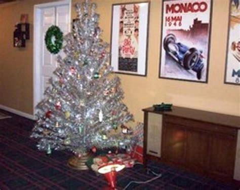 foto contoh desain dan dekorasi pohon natal 68 si momot