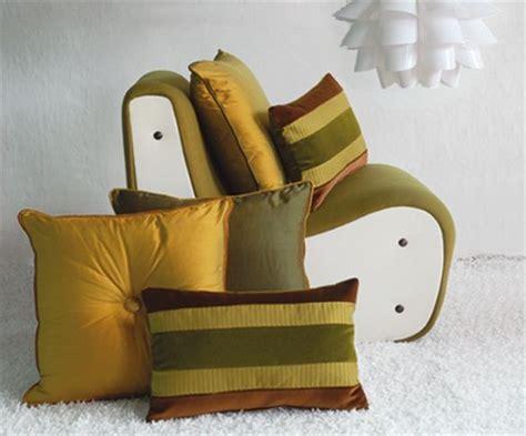 cuscini divano on line cuscini particolari cuscini decorativi per divano