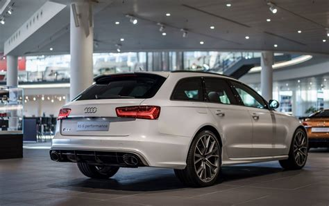 Audi Rs6 Avant Wei by This Audi Rs6 Performance Exclusive Is For The Subtle