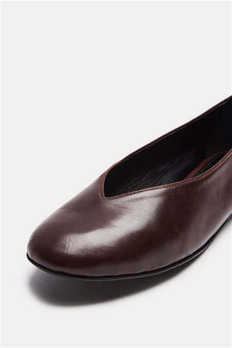 Flat Shoes Eliza Morrison 1 alumnae v line slipper manera clove brown the line