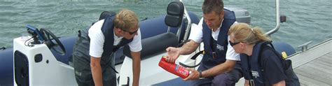 blue water powerboat level 2 rya intermediate powerboat course rya training courses