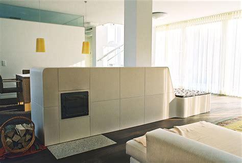 Kachelofen Als Raumteiler by Kachelofen Raumteiler Kamin Mit Sitzbank Design Moderne