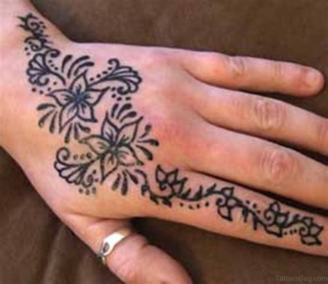 henna hand finger tattoo 61 looking flowers on