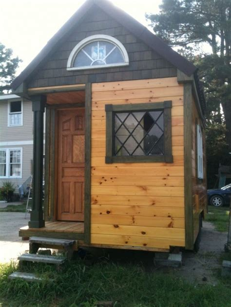 small houses projects building tiny sharla s tiny house project tiny house pins