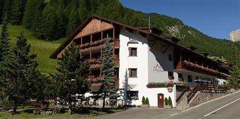 casa alpina selva di val gardena casa alpina selva di val gardena