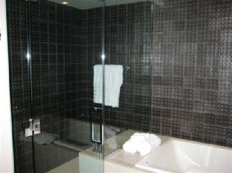 Hotel Shower by Hrh Shower Tub Picture Of Rock Hotel And Casino