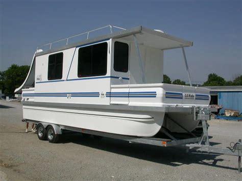 catamaran houseboats catamaran cruisers houseboats aqua lodges 8x31 lil
