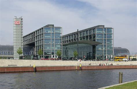 berlin zoologischer garten bahnhof essen file berlin hauptbahnhof 006 jpg wikimedia commons