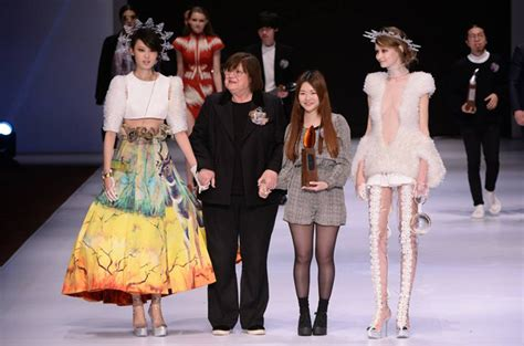 design competition fashion young designers triumph at fashion competitions