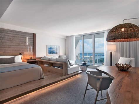 gestell hinter sofa holz und wei 223 pr 228 die gestaltung eines strandhotels