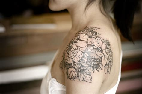 flower shoulder cap tattoo 30 exceptional shoulder cap designs amazing