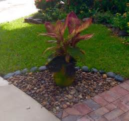 Small front yard garden design ideas 05 10 smart small front yard