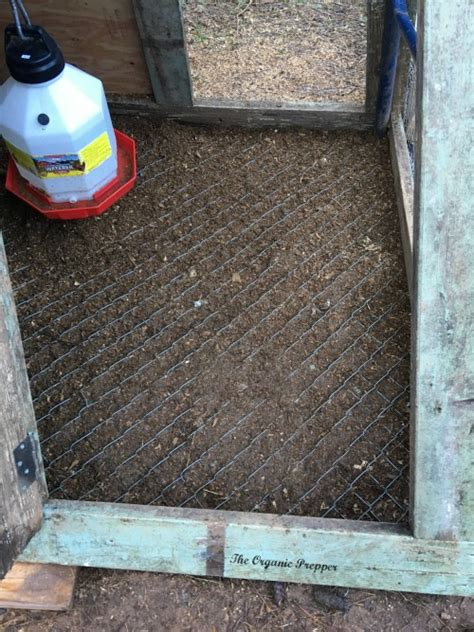 Chicken House Floor by Make A Thrifty Diy Swingset Chicken Coop The Organic Prepper
