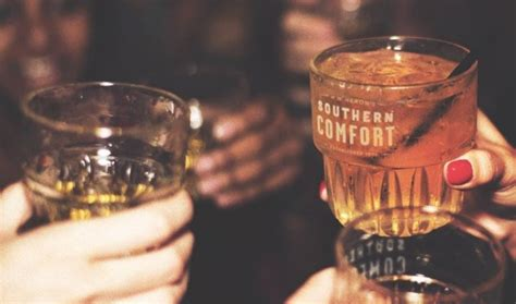 southern comfort neat southern comfort actually contains no whiskey but it will