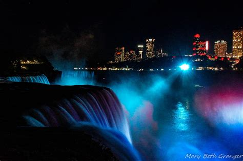 niagara falls night photographing niagara falls at night