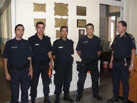 uniforme nuevo de la policia de la provincia de buenos aires policia bonaerense vs policia federal argentina 2012