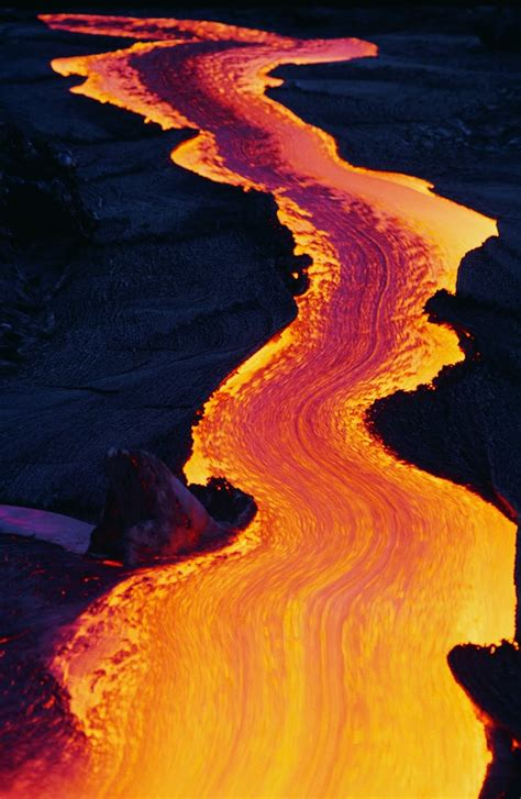 what s in a lava l valcano lava river flow volcano pinterest rivers
