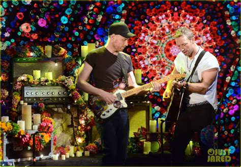 coldplay everglow live video coldplay perform everglow live on che tempo che