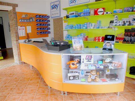 negozi informatica pavia arredamenti negozi sky elettrodomestici scaffalatura gbc