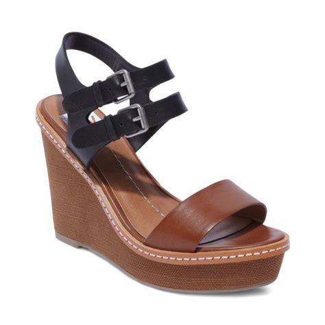 dolce vita janna platform wedge sandals in black lyst