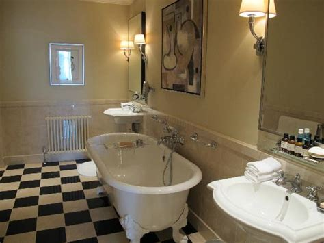 Guest Bathroom Ideas the huge bathroom very cosy old style bathtube and posh