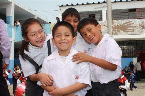 imagenes de simulacros escolares escolares del vraem recibir 225 n uniformes del estado para