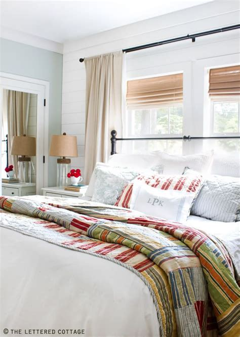 cottage style bedding and curtains 17 best ideas about cottage bedrooms on pinterest