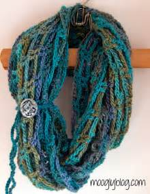 Infinity Crochet Scarf Pattern Last Minute Crochet Gifts 30 Fast And Free Patterns To
