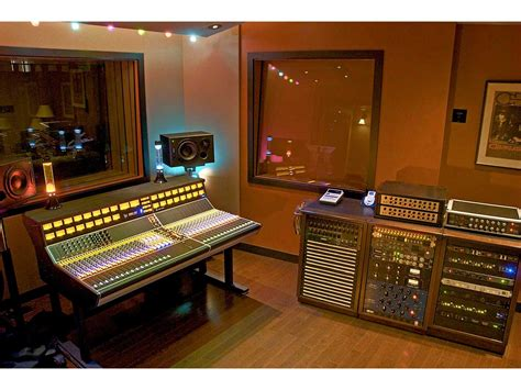 apis console api 1608 32 channel analogue mixing desk fully loaded