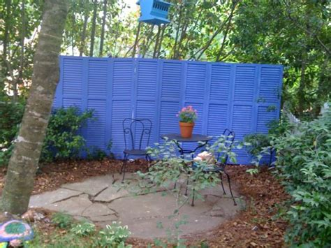 Painting Backyard Fence by Eight Wonderful Fence Decorating Concepts 2015 Interior Design Ideas