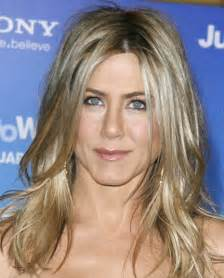 pictures s hairstyles with layers and top layer jennifer aniston long hairstyles 2012 popular haircuts